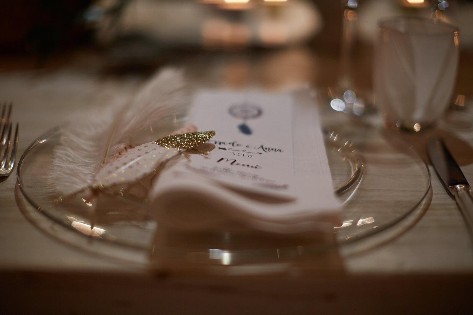 dettaglio tavola matrimonio in casa
